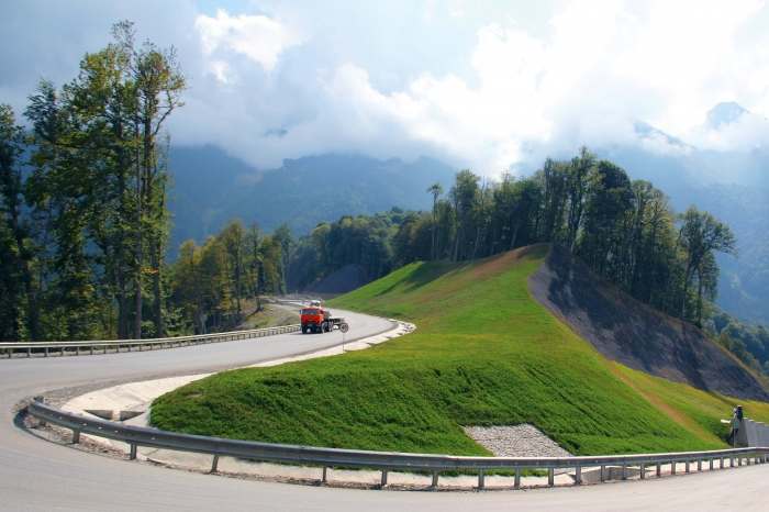Highway between the Alpika-Service alpine resort and the Roza-Khutor resort (Sochi, 2011)